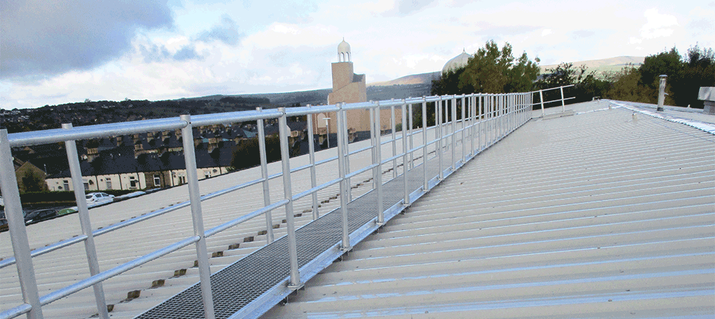 Ascent aluminium anti-slip walkway to metal profile roof levelled with handrail to both sides